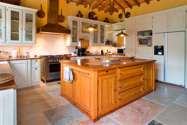 Cozinha clássica . Galamares . 2005