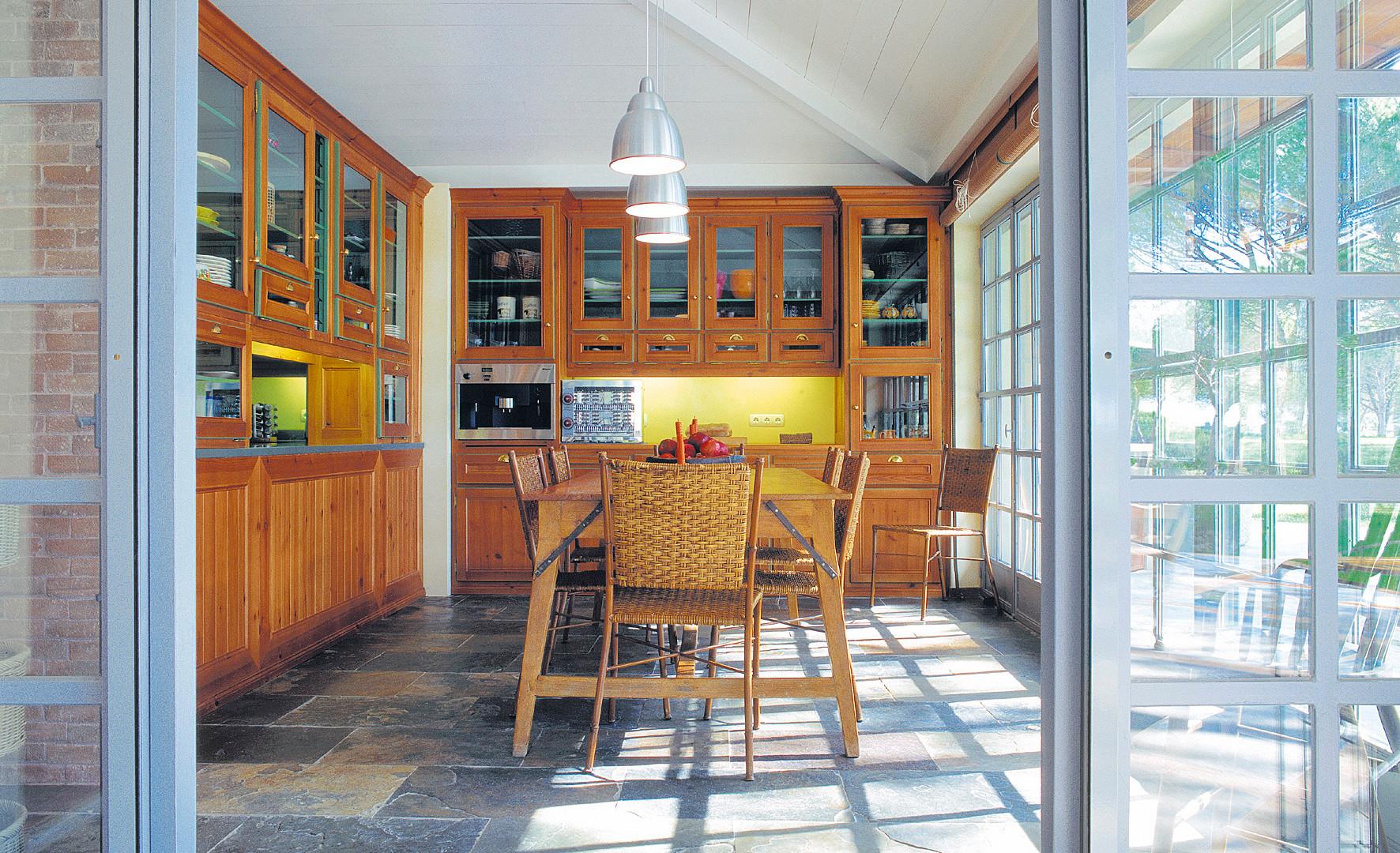 Cozinha clássica . Comporta . 2001
