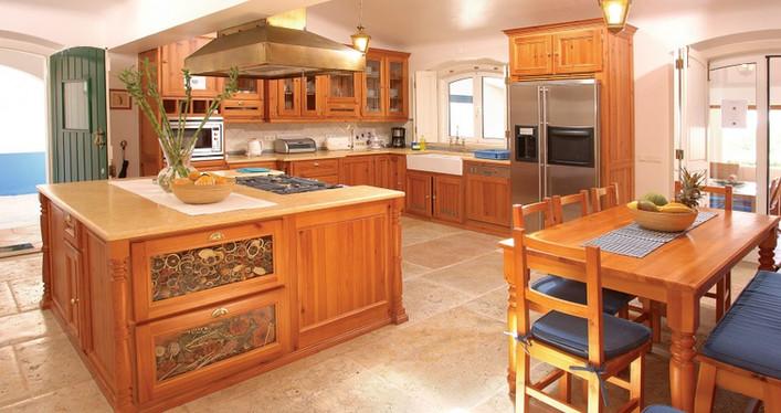 Cozinha clássica . Algarve . 2002