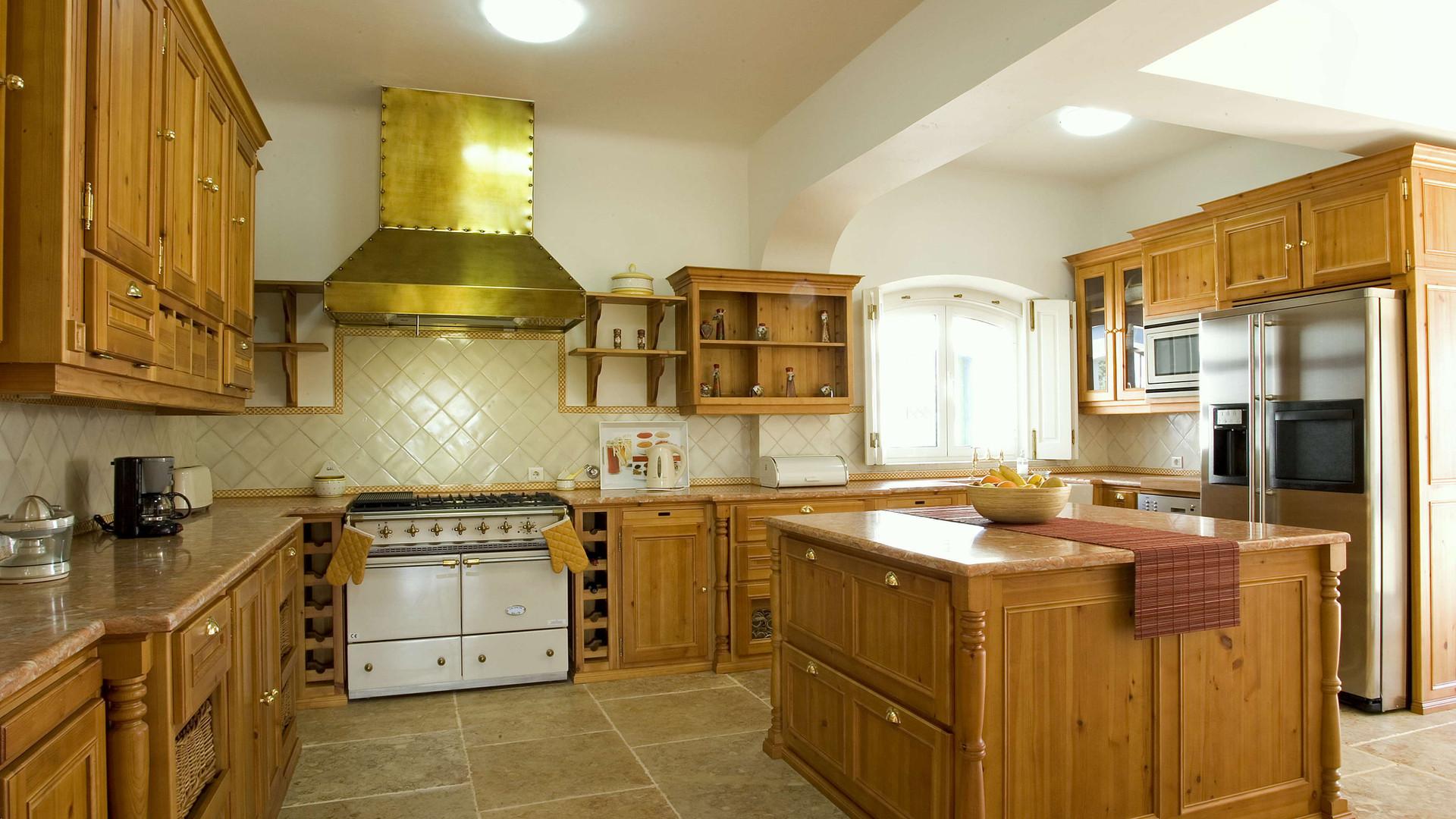 Cozinha clássica . Algarve . 1999