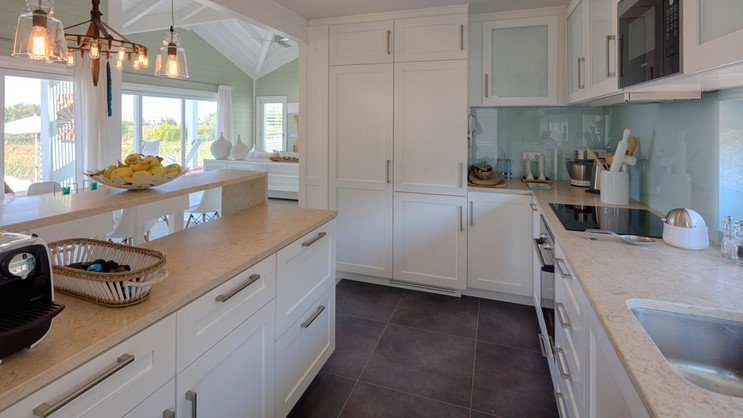 Cozinha contemporânea pintada . Comporta . 2014
