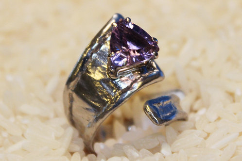 Shell-Bell Designs Amethyst Ring