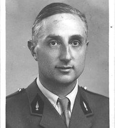 Jacques Coutrot, ami intime de Louis ARAGON, officier pendant les deux guerres, ecrimeur aux Jeux olympique, Président de la Fédération Internationale d'Escrime de 1949 à 1952