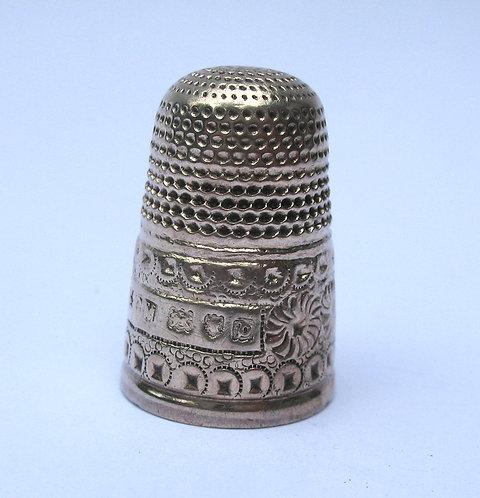 Thimble. Silver, hll mkd C.M. Lon 1897