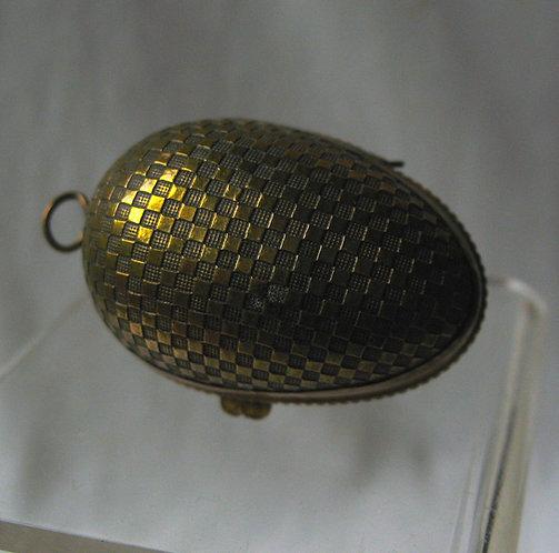 Egg shape brass thimble holder