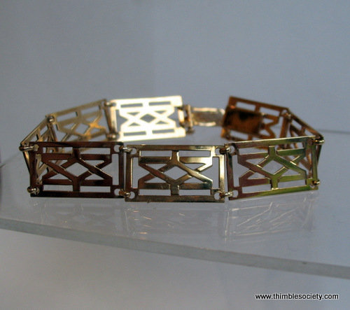9ct gold, Greek key pattern link bracelet C217