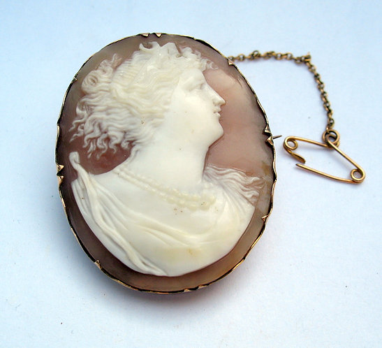 19th century carved shell cameo in 9ct gold