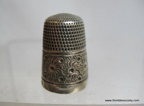 Silver thimble daisy pattern 28