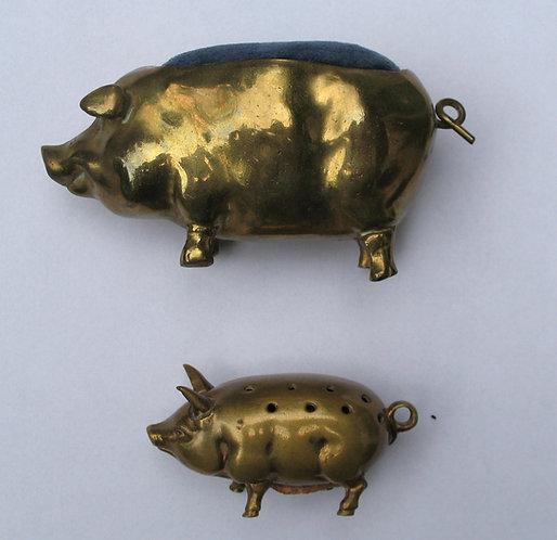 Pin Cushions. Large pig. Smaller pig