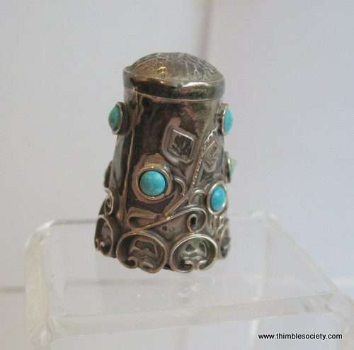 Silver thimble set with torquoise