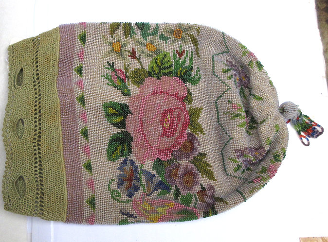 Purse, beaded design of roses