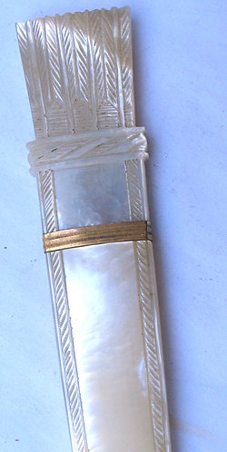 Mother-of-pearl quiver & arrow needle case