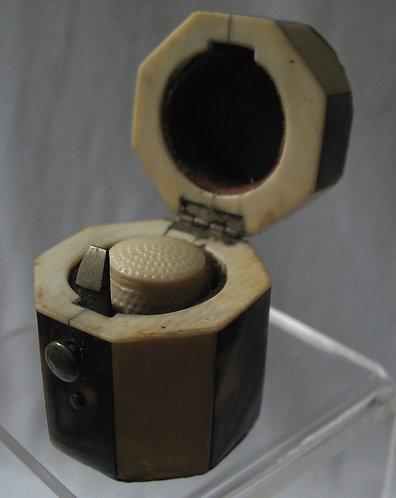 Octagonal thimble holder