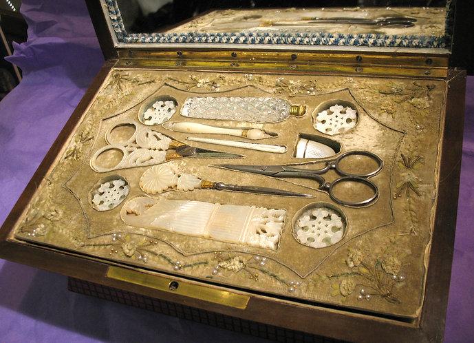 Palais Royal box showing tools inside