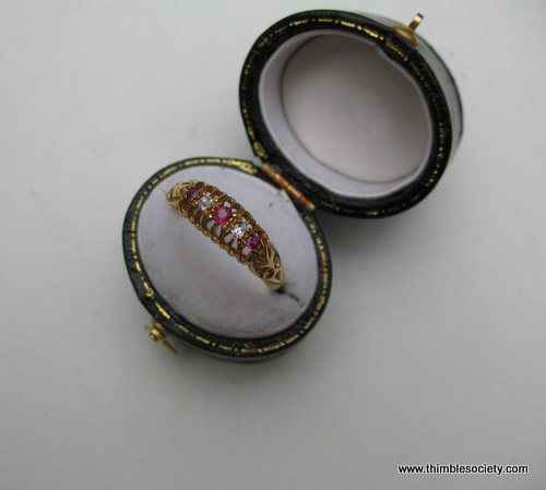 Ring 18ct gold set with rubies and pearls