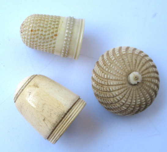 Acorn thimble case and matching thimble