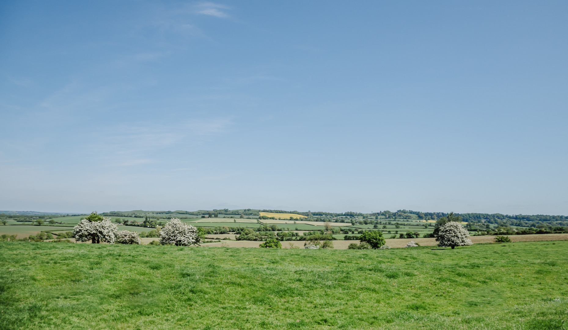 Panoramic view Primrose Hill Farm Wedding Venue with view of the cotswolds