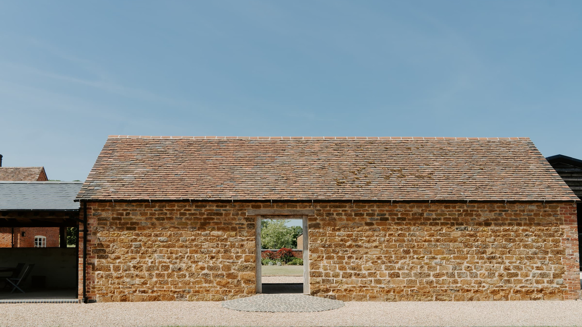 Oxfordshire Modern Wedding Barn Primrose Hill Farm