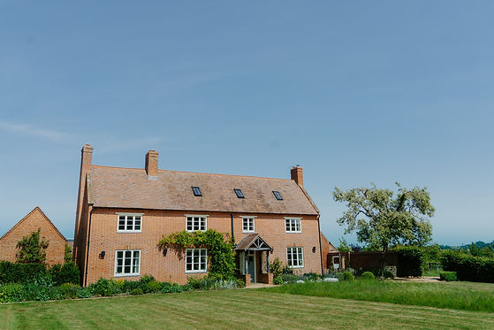 Oxfordshire Farmhouse Wedding Venue