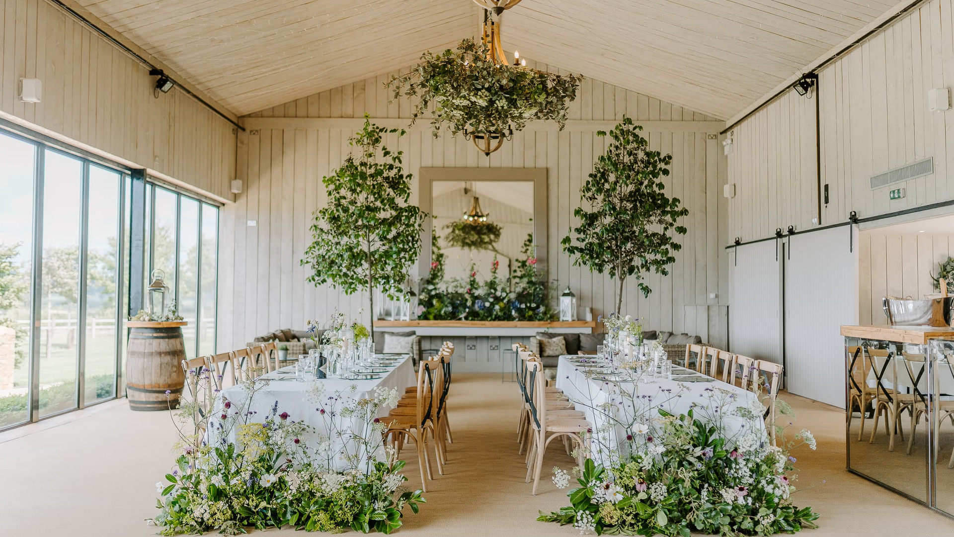 Modern Wedding Dining Barn in The Cotswolds Oxfordshire