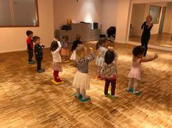 Eltern-Kind Tanzen Gruppe