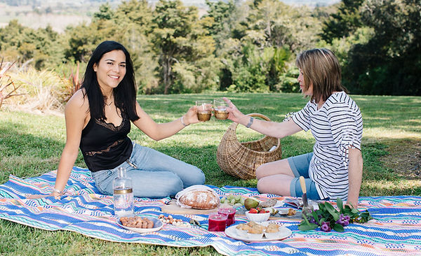 TheSHDlife –– simple. healthy. delicious -Sofia Gallardo - Goumet picnic ideas -