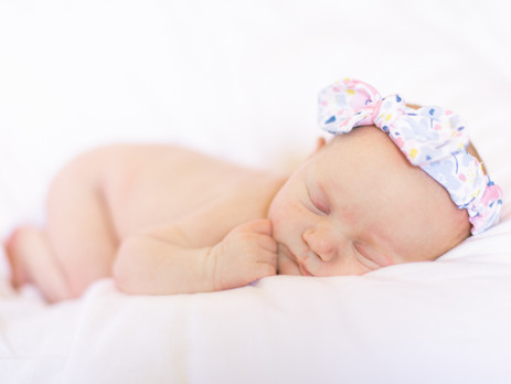 Lifestyle Newborn Shoot: Baby Anna
