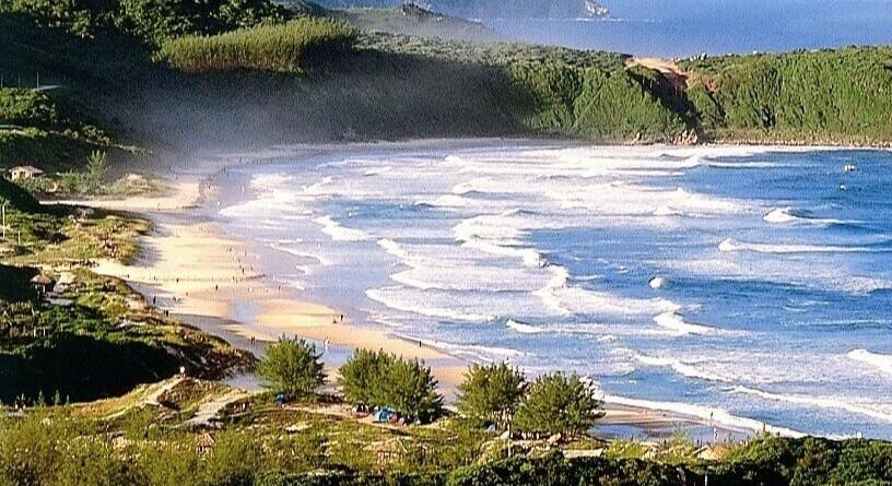 Praia do Rosa 1_edited.jpg