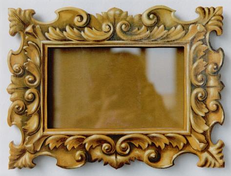 Cornice in trompe l'oeil, olio su legno.