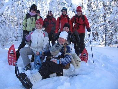 Virkistyspäivä luonnossa lumikenkäillen ja rentoutuen - voimaa talvisesta metsästä
