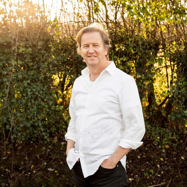 Nigel Davies – Episode Director