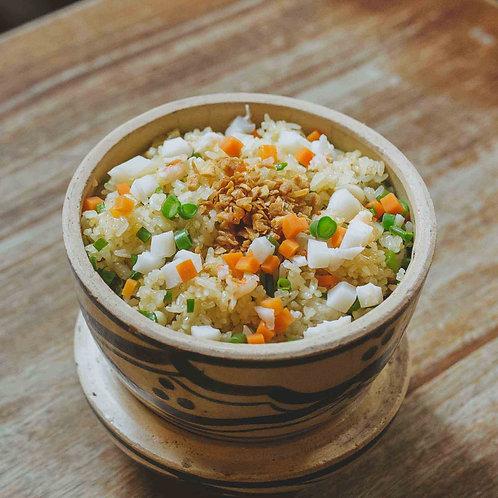 Cơm chiên hải sản/ Stir-fried garlic rice with seafood