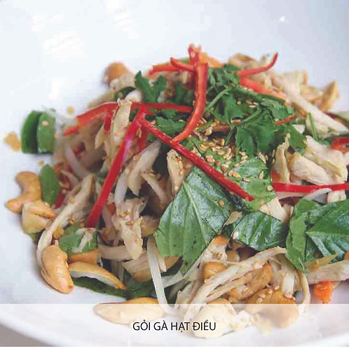 Chicken salad with cashew nuts