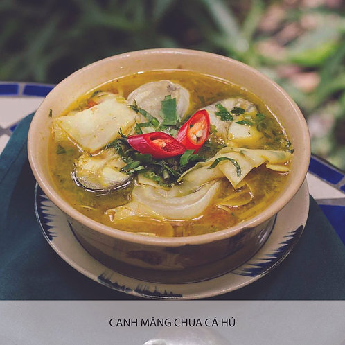 Sour bamboo shoot soup with catfish