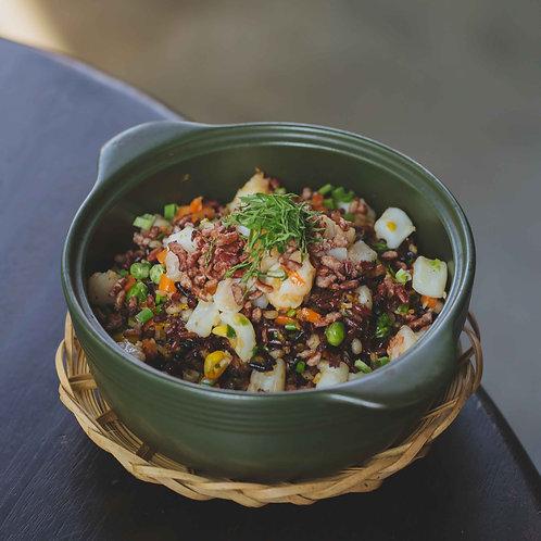 Cơm chiên gạo lức hải sản / Fried brown rice with seafood