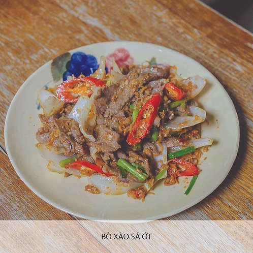 Sautéed beef with lemongrass and chilli
