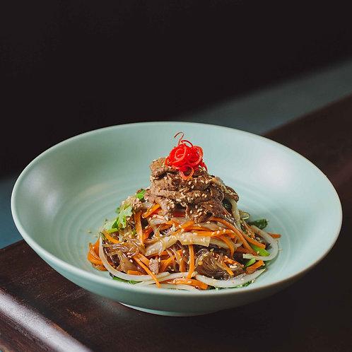Miến xào bò và nấm hương / Stir-fried glass noodles with beef and shiit
