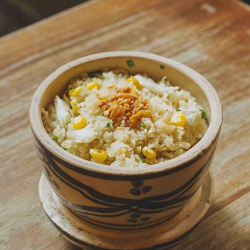 Cơm chiên hạt bắp và cua / Fried rice with corn and crab meat