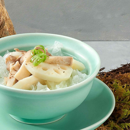 Canh tuyết nhĩ ngân sen/Lotus roots soup with white fungus