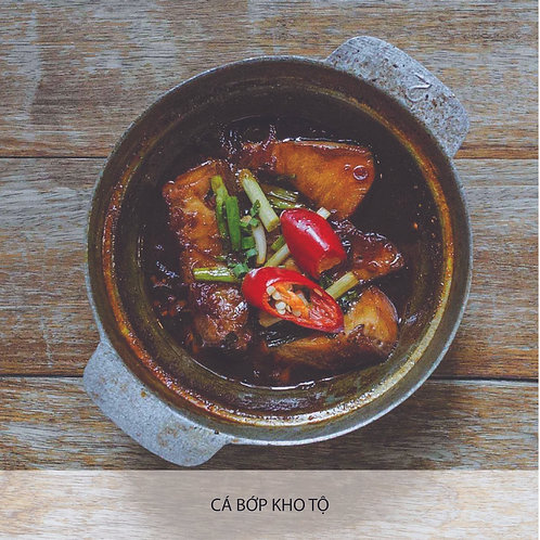 Braised cobia in clay pot with caramelized sauce
