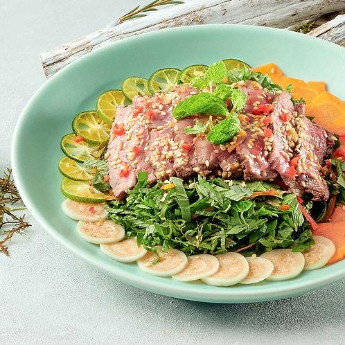 Gỏi bò đồng quê / Beef salad with wild herbs, kumquat