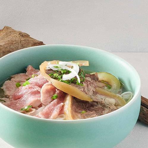 Phở bò/Beef noodle soup