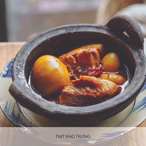 Braised pork with egg in coconut juice