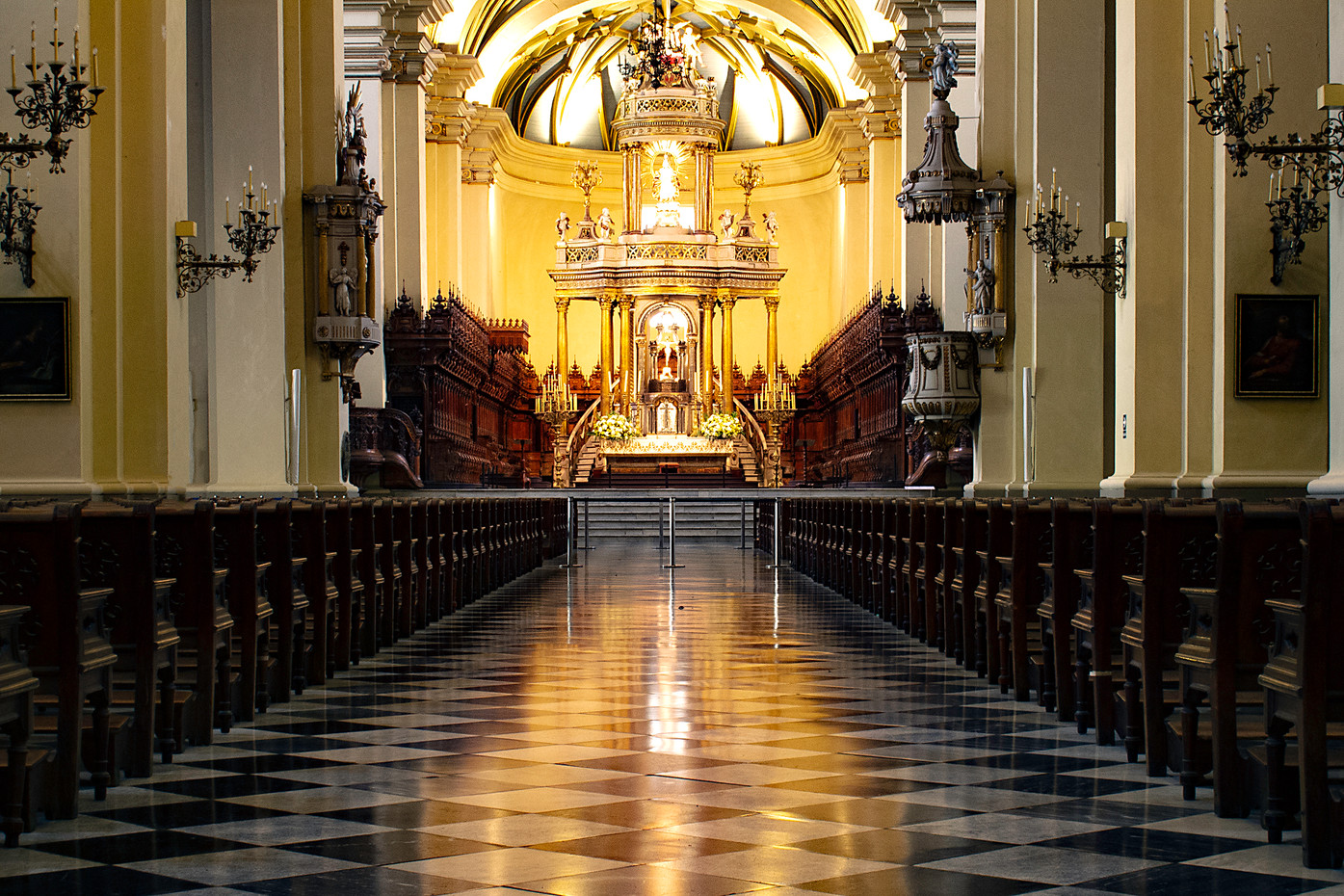 The alter of the Cathedral of Lima, Peru