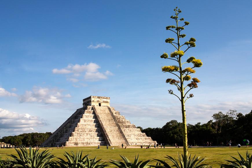 Chichen Itza Mayan pyramid, Mexico
