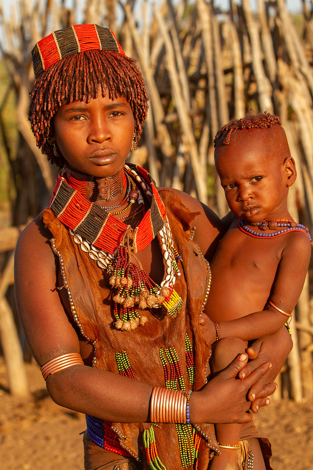 Hamer women & child near Turmi, Ethiopia