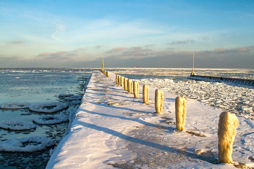 Lake Michigan in winter near Chicago, USA