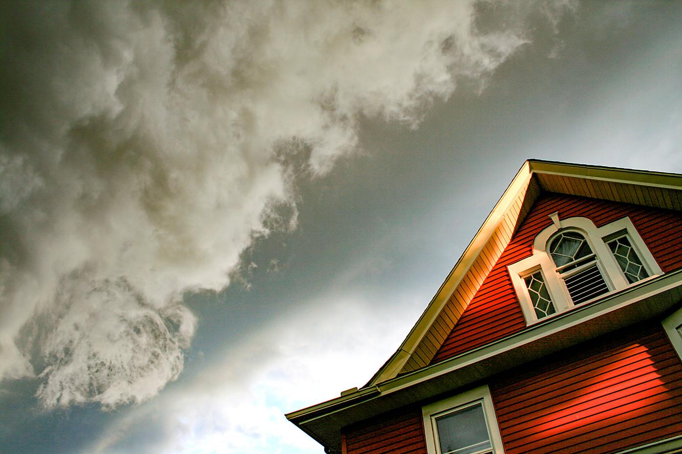 Tornado building in Minneapolis, USA.jpg
