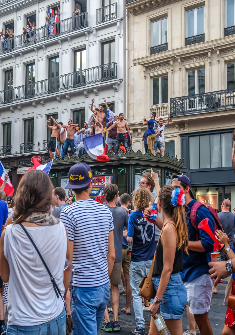 COLOUR - Allez les Bleus by Alice Campbell (8 marks)
