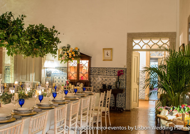 Fireplace room for wedding at Quinta do Torneiro in Lisbon, Portugal